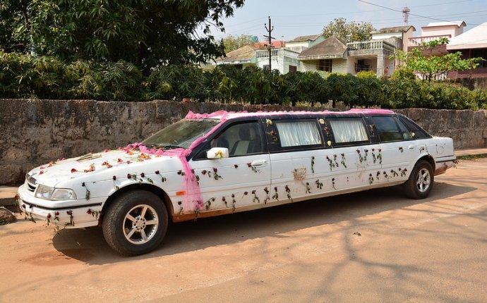 India - Odisha - Bhubaneswar - Wedding Limousine