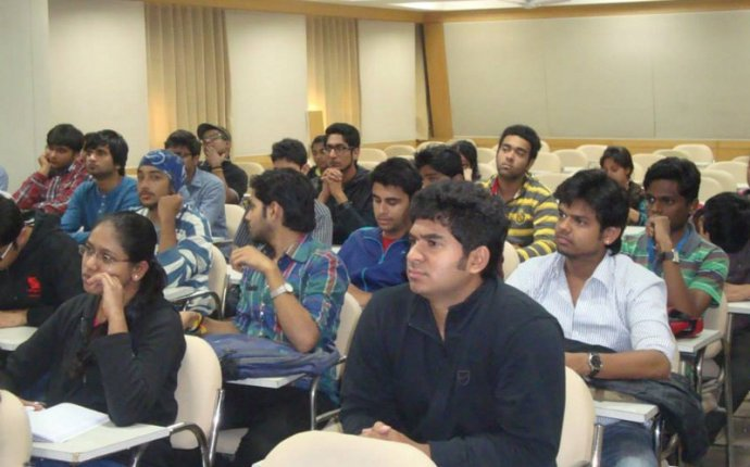 Investment banking courses in India – Aaina Khan – Medium
